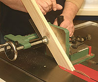 Cutting Centered Grooves On The Table Saw Newwoodworker Com Llc